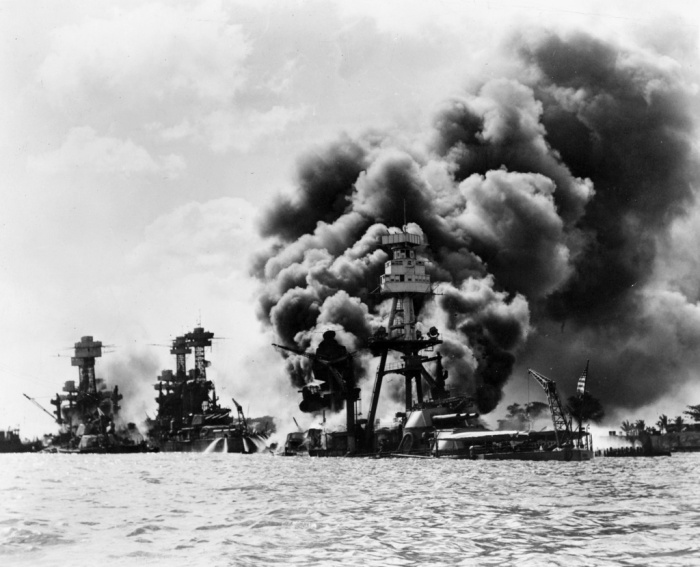 Pearl Harbor_USS West Virginia, Tennessee, Arizona_ Wikipedia:NARA